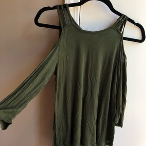 Buckle Army Green cutout shoulder top